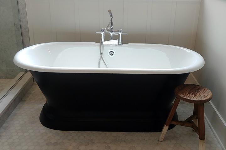 bathtub, home interiors, interiors, bath ideas, TinaCarterEBA.com, real estate, realtor, buying a home, Exclusive Buyer's agent, design blog, BIAparade, Parade of Homes